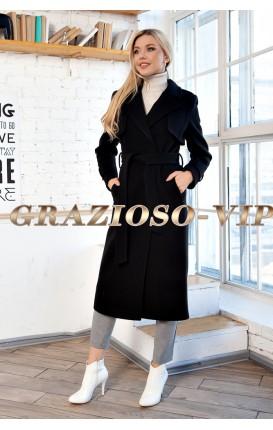 Весеннее пальто цвета классика.