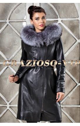 Кожаное пальто с отделкой из меха чернобурки
