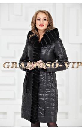 Пальто с отделкой из меха норки