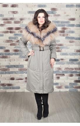 Пальто с отделкой из меха чернобурки